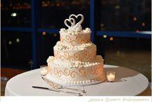 A Taste of the Wedding Cake / Fun and festive wedding cakes