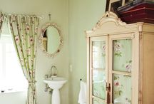 Mint & Green Bathrooms & Accessories