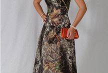 Camo Bridesmaids / All items can be found at camoformal.com.