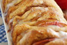 Breads / by Lynn Johnson