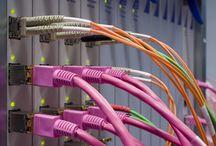Sähkö- ja prosessiala / Opiskele sähköalan ammattilaiseksi Ekamissa! Automaatioasentajaksi ja ICT-asentajaksi opiskelet Kotkassa, sähköasentajaksi Kotkassa ja Haminassa. Aikuisille järjestämme prosessiteollisuuden perustutkintoon valmistavaa koulutusta (prosessinhoitaja) Haminassa.