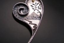 Metal, kamień, szkło, drewno