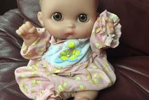 167 Baby Dolls / Baby Dolls including Bitty Baby, Berenguer, Baby Alive, Little Mommy, etc. Old and New. Baby Doll Clothes.