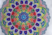 Mándalas / Pintar y crear nuevos diseños de #Mandalas ejercicio mental y espiritual, de equilibrio y pensamientos sanos.
