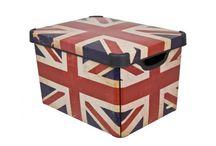 Pudła, pudełka, pudełeczka / Wszystko na swoim miejscu.