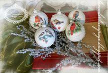 """Decoupage Christmas """"Lavenderia"""" baubles"""
