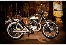 Motorräder..