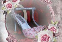 Χειροποίητα Νυφικά Υποδήματα από την Todos Bailar / Η Todos Bailar Shoes με έδρα της, την Πάτρα δημιουργεί όμορφες συλλογές από σχέδια για την ομορφότερη ημέρα της ζωής σας, για νύφες και γαμπρούς, αλλά και χειροποίητα υποδήματα δεξίωσης, με φαντασία και ρομαντισμό.