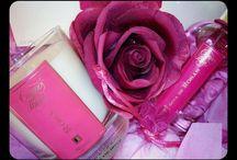 Rosas / Roses / Una fragancia natural inspirada en los amaneceres de los jardines mediterráneos.