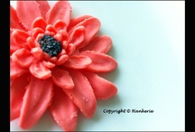 Edible Sugar Flowers / Hankerie has addicted to all sorts of sugar flowers, more to come.
