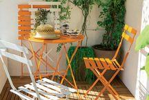 Suggestioni d'Estate / Spazi aperti, leggerezza, solarità. Tutto quello che serve per stare insieme nella stagione più calda dell'anno!