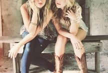 Country singers / All for Maddie, Tae and Maybe other stars