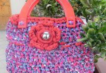BORSE REALIZZATE AD UNCINETTO / Queste borse sono realizzate ad uncinetto...graziose e molto economiche,,,facci un pensierino!