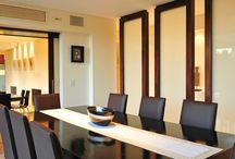 Comedor / Dining-room / Un recorrido por diferentes estilos de comedor de casas creadas por arquitectos argentinos. Inspiración para tus propias creaciones y el lugar donde conocer a tu futuro arquitecto/a. www.portaldearquitectos.com