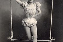 BIZARRE & BEAUTIFUL BODIES / Retro, bizarre circus & contortion mixed with the burlesque