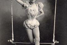 BIZARRE & BEAUTIFUL BODIES / Retro, bizarre circus & contortion mixed with the burlesque