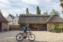 A thatched extension / This thatched extension with a beautiful oak frame has character and charm in abundance.