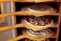 Pizzerias / Artisan pizzerias from around the United States.