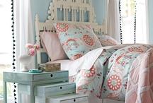 Little girl bedroom / by Jacinthe Casault