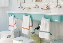 Kid's Jack and Jill Bathroom / by Cassie Gibson