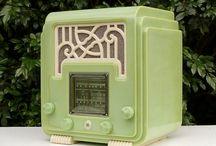Radio, turn it up! / Vintage radios...