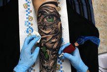 Tatuagens nas pernas