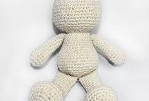 bonecos de crochê