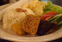 Direktori Kuliner Indonesia / Direktori Kuliner Indonesia merupakan kumpulan masakan dan kuliner Indonesia yang memiliki keragaman bentuk dan rasa dari masakan khas Indonesia.