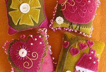 Felt Goodies / Handmade felt pretties / by Sylvia Castaneda