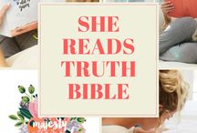 Journaling Bibles / Read journaling bible reviews and find the best journaling bible for you. Whether your looking for for the best journaling bible or bible art journaling, you can read my unbiased and honest reviews here.
