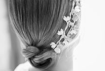 Hairstyle/Peinados / Loving buns & messy hair,  You will love the hairstyles from the blog Las bodas de Tatín.  Nos chiflan los peinados con un aire deshecho, los moños, trenzas...  Te encantarán los peinados del blog las bodas de Tatín