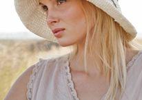 czapki , kapelusze