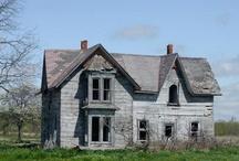 ::Favorite Old Farm Homes:: / by Rhonda Fleming Van Dussen