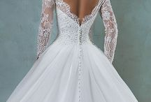 El vestido de la novia / Vamos a ver una serie de #tendencias en #vestidos de #novia, ¿en color o blanco?