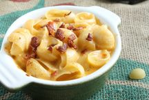 Mac & Cheese- the ultimate comfort food / Tons of recipes for everyone's favorite comfort food - Macaroni and Cheese