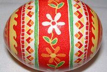 Pysanky Easter eggs / by Vanessa Tarazza