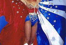 Medieval Wonder Woman and Juggler