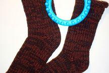 Bas et pantoufles au tricotin