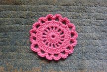 Crochet Appliques and Flowers-free / by Tiffany Franklin