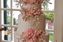 Wedding cake / delicious and chic wedding cake is worthy of owning one