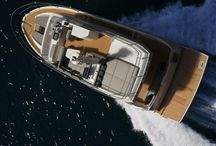 Jeanneau Valesco 43 / With the VELASCO 43, Jeanneau takes an innovative new direction in the world of flybridge motor yacht design.