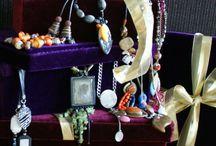 (Kerst) Cadeau / Kado TIPS / Op zoek naar een leuke cadeau voor je vriendin, moeder, dochter, vrouw, oma, collega of gewoon voor jezelf? Kom even kijken naar de zeer originele bijoux sieraden collectie van Statementpieces.nl