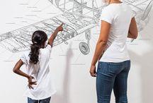 Mr Perswall Tapeten / Mr Perswall steht für PERSonal  WALLs. Die Motive des schwedischen Design-Studios bringen perfektes Design auf hochwertigem großformatigem Flies auf die Wände. Manche Motive sind durchaus augenzwinkernd zu verstehen, andere einfach hoch ästhetisch.