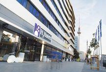H2 Hotel Berlin / Zentral übernachten in Berlin - das ist z..B möglich in einem der 288 modern eingerichteten Hotelzimmer.