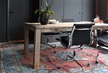 New York Spaces: Work Spaces / Work spaces and desks decorated in a manner we adore!
