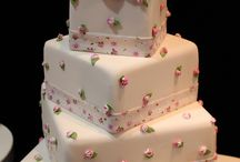 Artful Cakes / Decorated cakes / by Karen Taylor