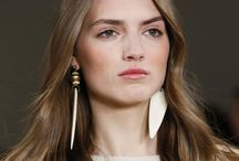 Jewellery Trends 2015 / 2016 / 2017 | Quickjewels / Jewellery News and Trend updates. From the catwalk to your bord! We just love to follow the latest trends.