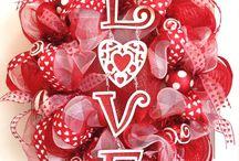 Valentines Wreaths / by Melissa Viller