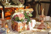 Table Settings and Gorgeous Bouquets / by Anita LeDuc