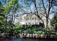 Oregon Inns For Sale / by Oregon Bed and Breakfast Guild